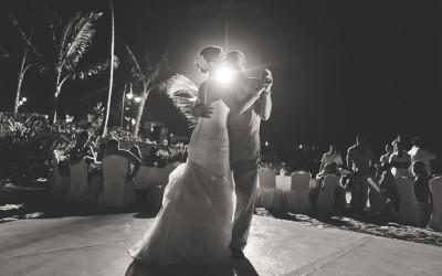 Having A Wedding Reception on the Beach: The Basics
