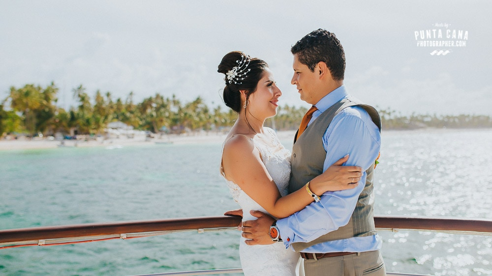 la-barcaza-wedding-boat-002
