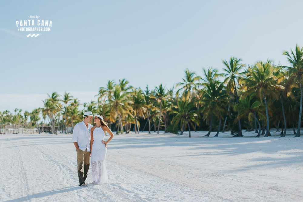 Juanillo Beach Wedding Elopement - Gislene & Fabio