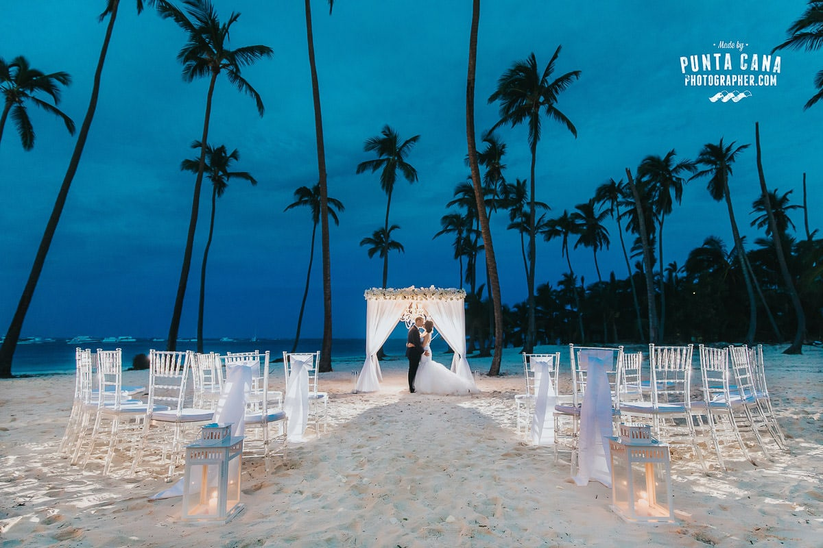 Glam Wedding at Jellyfish Restaurant in Punta Cana - Jessica & Roger