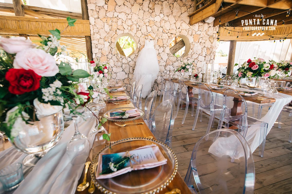 Jellyfish restaurant wedding in punta cana liliana tony