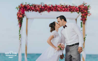 Punta Cana Elopement Wedding at Kukua Restaurant – Larissa & Leandro