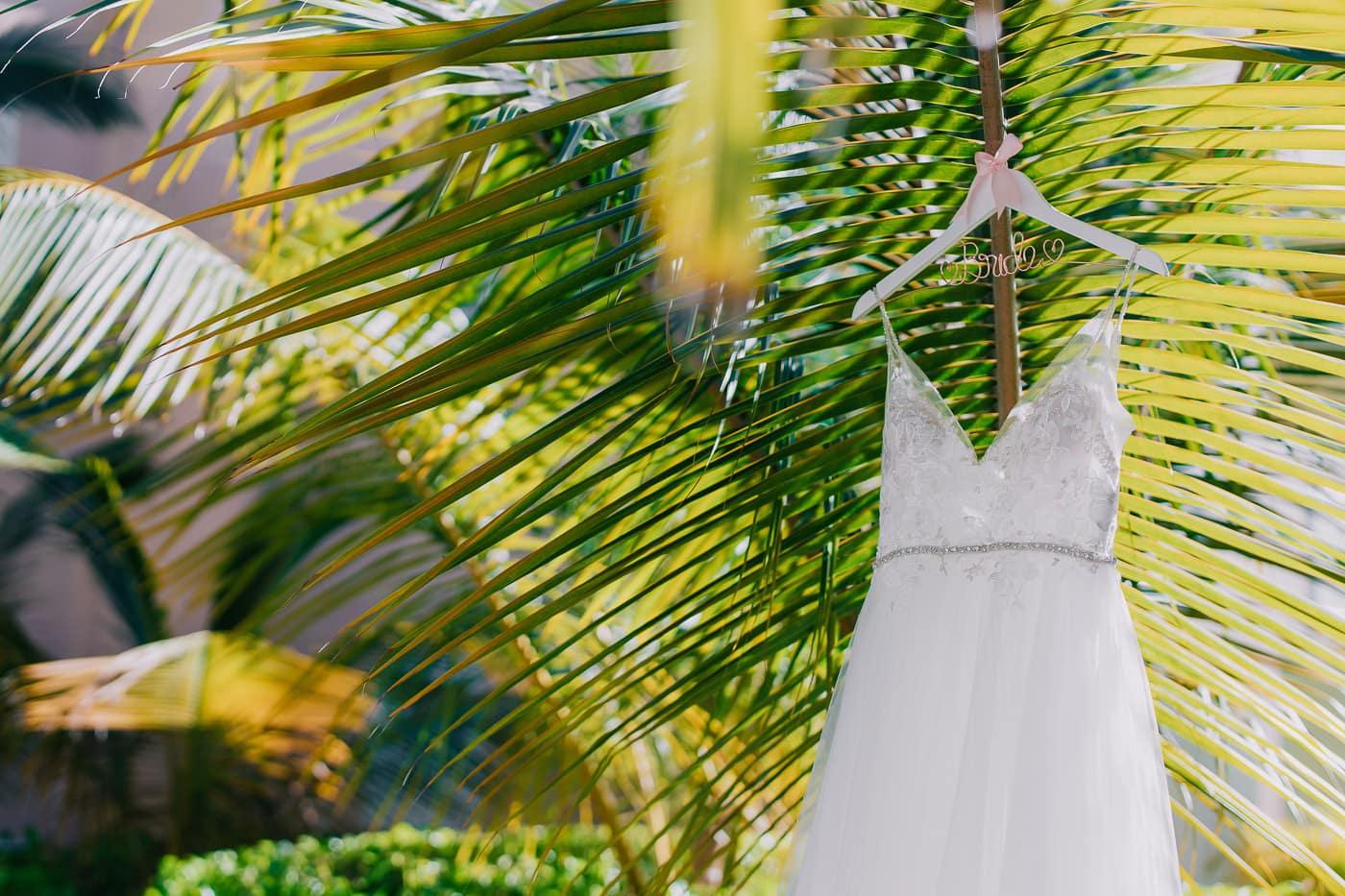 planning a beach wedding