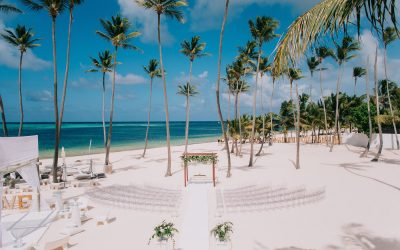 15 Tips For Planning an Unforgettable Beach Wedding