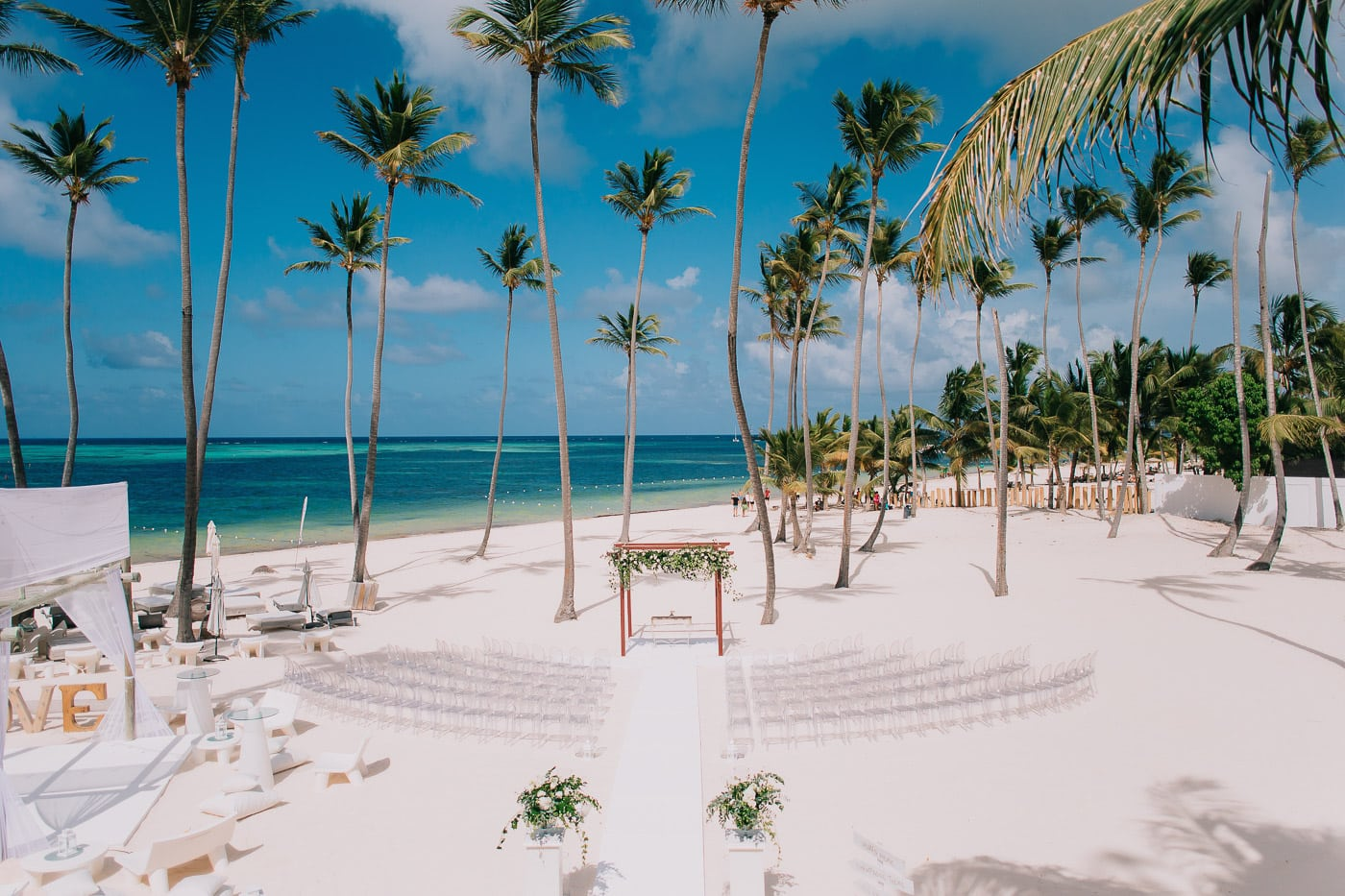 15 Tips For Planning a Beach Wedding