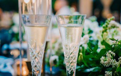 10 Romantic Ways to Celebrate Your Original Wedding Date