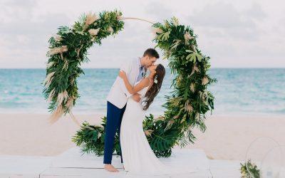 Gorgeous Wedding at Kukua Beach Club – Lulu & Veljko