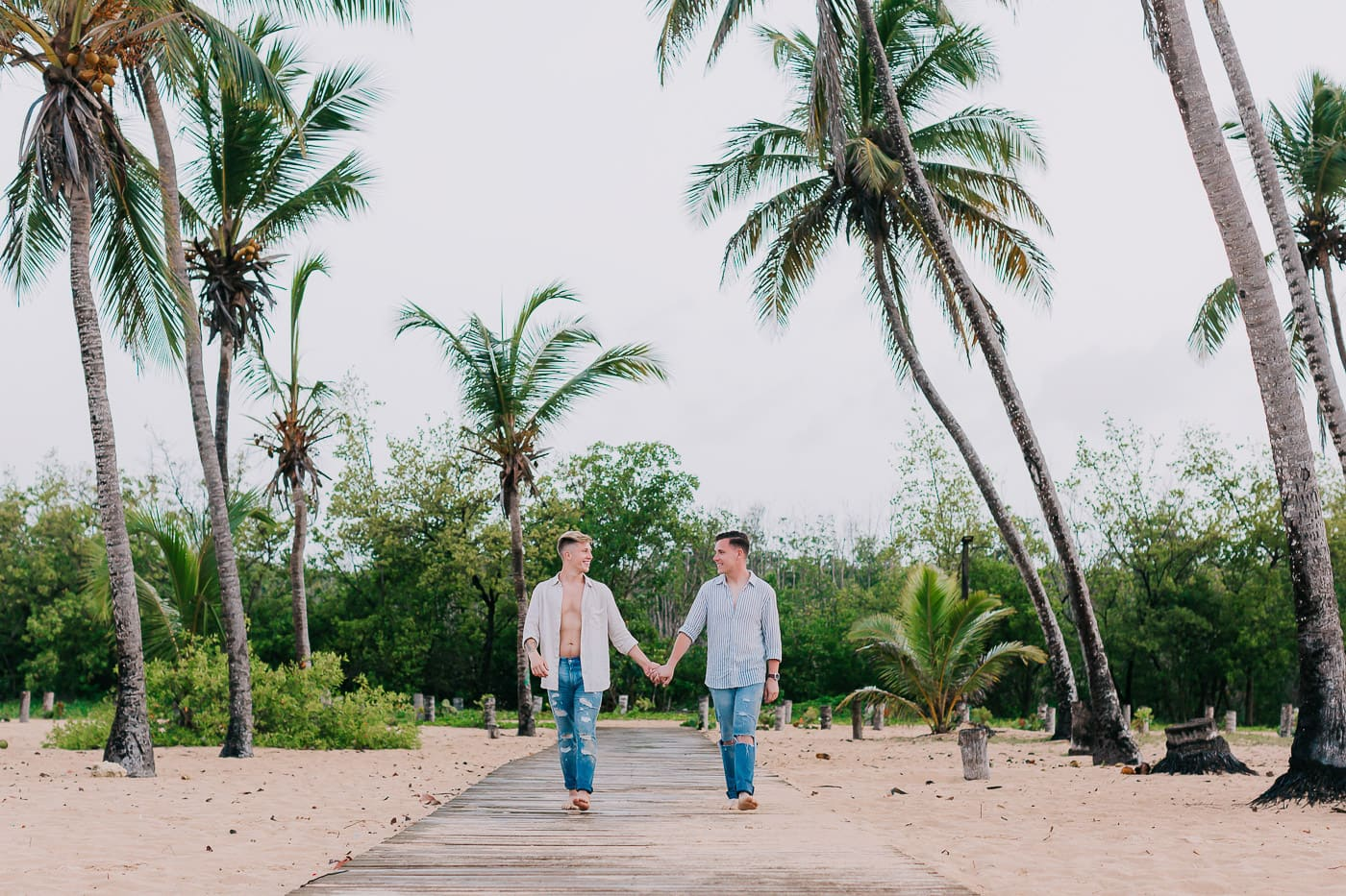 couple's photoshoot in macao beach